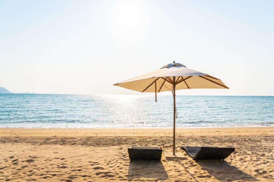 gli annunci immobiliari non vanno in vacanza